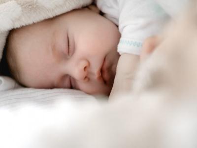 Trẻ sơ sinh sau khi ra viện cần lưu ý gì?